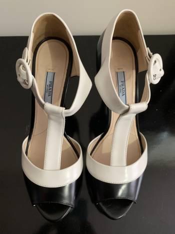 Tacones Prada Black & White