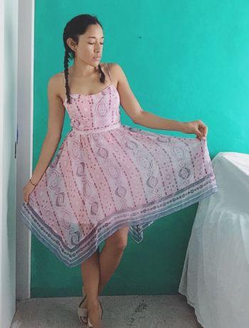 Vestido falda cuadrada
