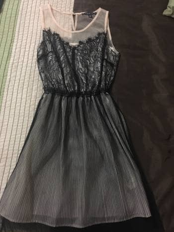 Vestido de fiesta con encaje