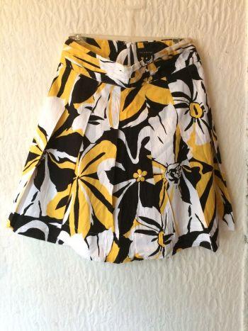 Falda en linea A con estampado de Flores