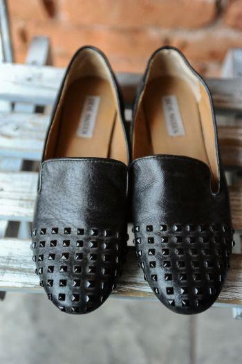 Loafers negros con estoperoles
