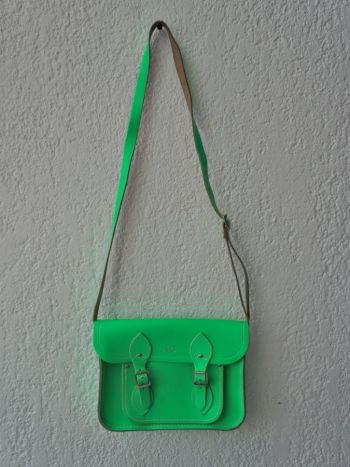 Bolso verde neón