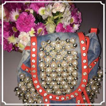 Bolsa de mezclilla con perlas