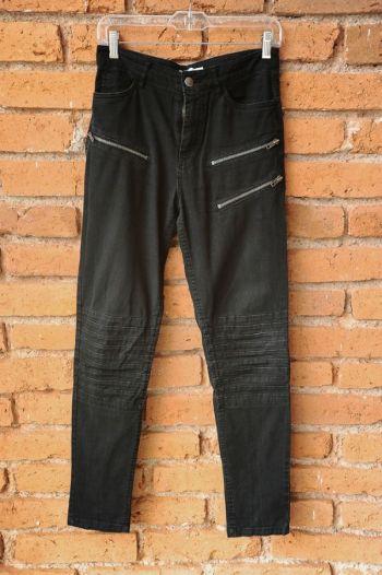 Jeans negros con cierres