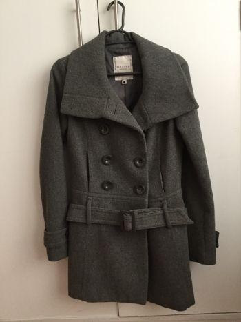 Hermoso abrigo gris