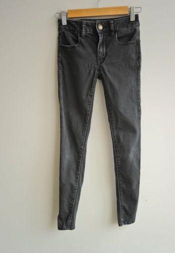 Jeans negros básicos