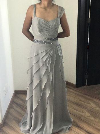 ed6f6f891 Vestido gris de fiesta - GoTrendier - 146129