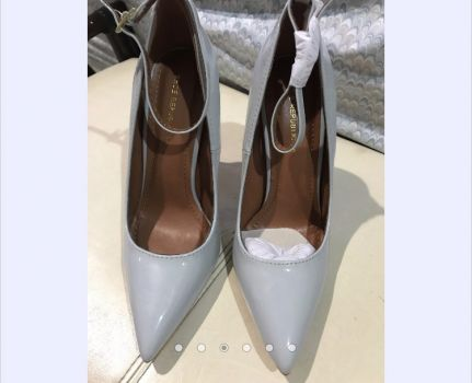 Tacones Stiletto Gris
