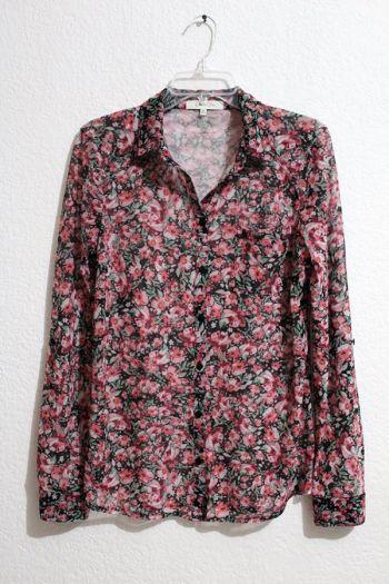 Camisa de botones floreada