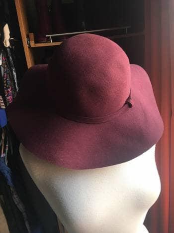 Sombrero guinda