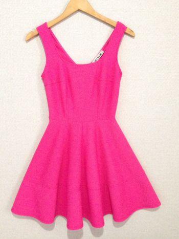 Vestido volado rosa mexicano
