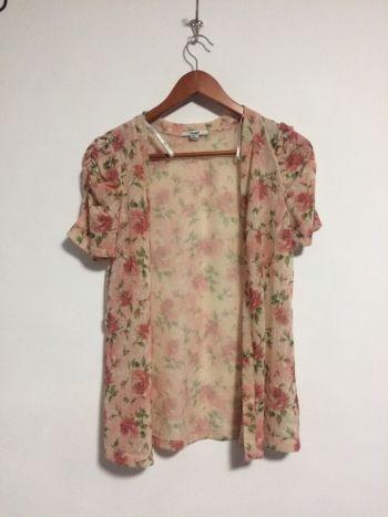 Kimono rosa de flores