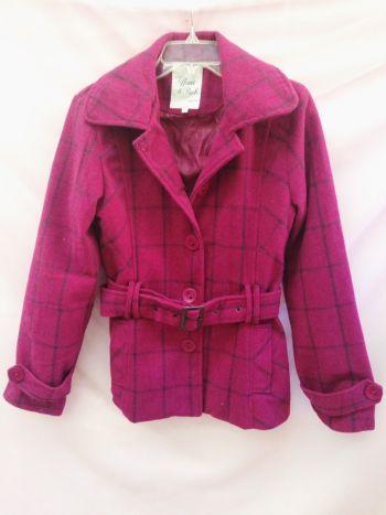 Abrigo rosa a cuadros